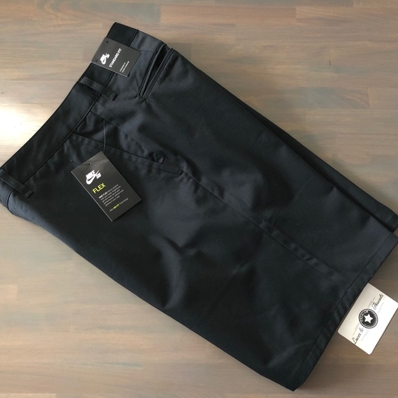 e8e666908 Nike Shorts   Mens Sb Flex Ftm Chino Nwt   Poshmark